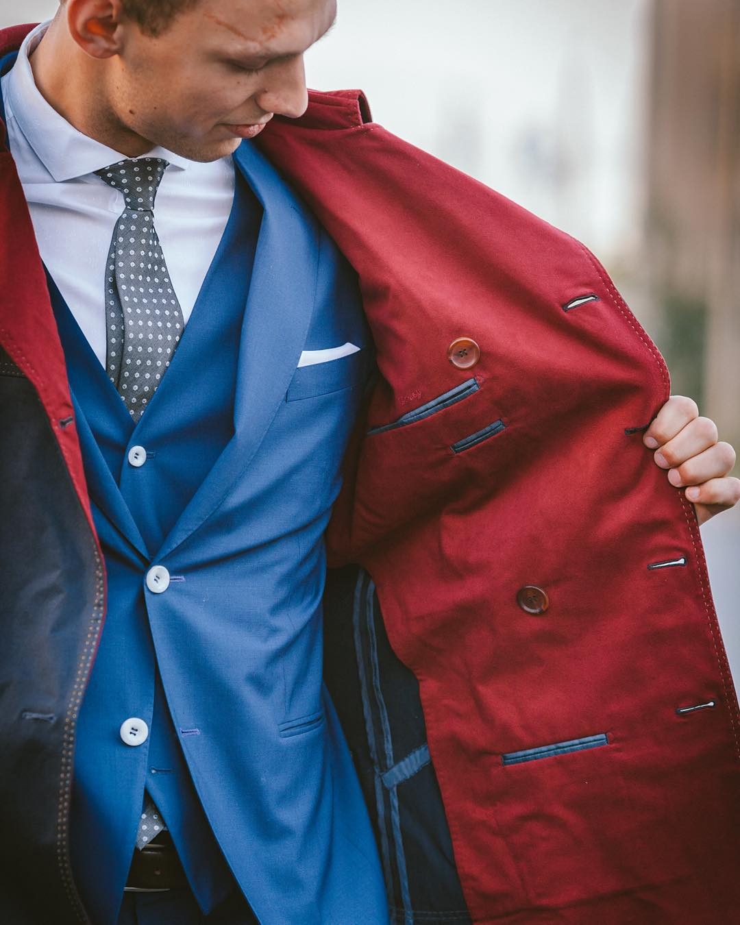 blue-5-piece-suit-red-detailing